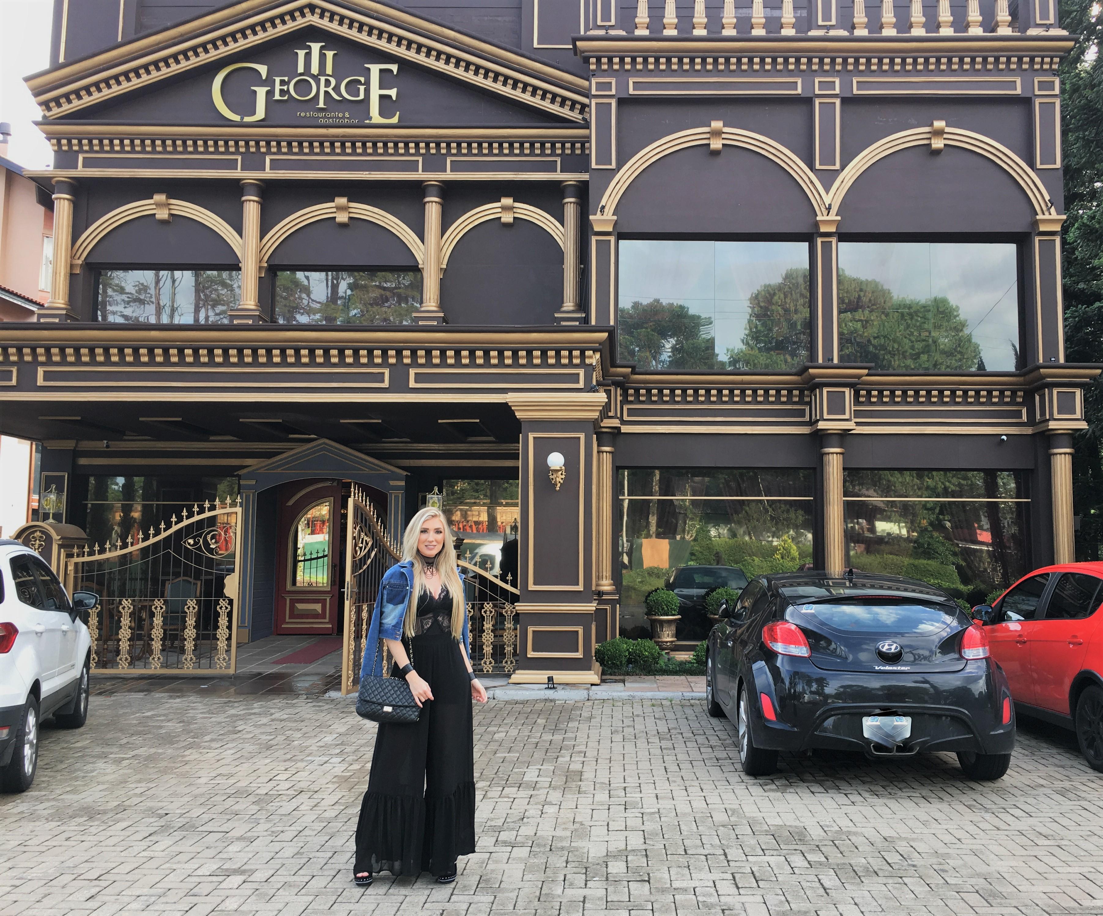 """Conhecendo o Restaurante mais Luxuoso de Gramado: """"George Terceiro Gastro Bar"""""""